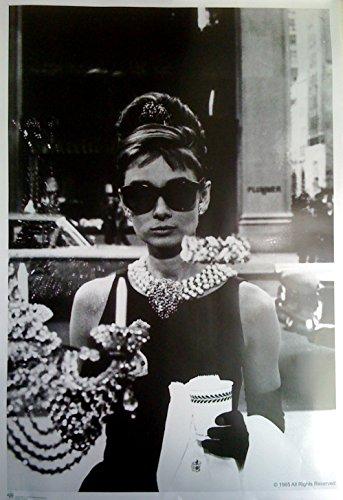 Aud Audrey Hepburn, Frühstück bei Tiffany (1960): Sonnenbrille HF   US Import Filmplakat, Poster [68 x 98 cm]