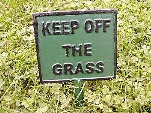 cast-iron-keep-off-the-grass-sign