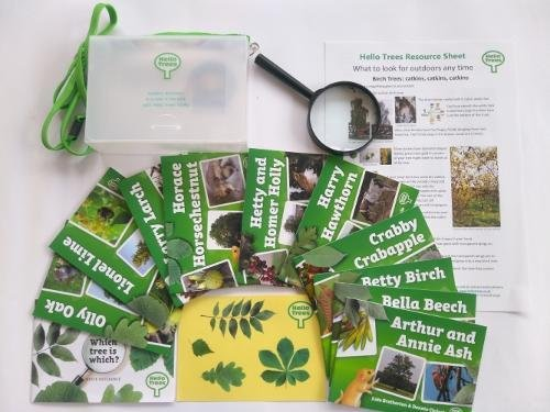 Hello Trees Explorer Kit: Set of 10 Hello Trees Books in Sturdy Carry Case with Shoulder Strap, Magnifying Glass, Tree Identification Chart and Stickers