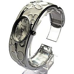 QBD Damen Geschnitzt Farbe Armband Damen Armbanduhr Mode Uhr Beauty Kleid Uhr Einzigartiges Design-Weiß