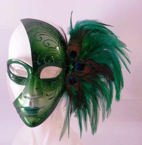 Masque de carnaval de Venise verte avec des plumes de paon