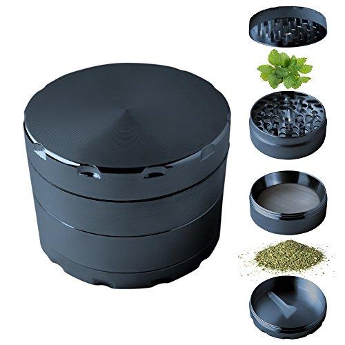 Hochwertiger Pollen-Grinder für Gewürz- und Tabak-Waren | Kraut-Mühle zermahlt und zerkleinert Getreide, Kaffee, Kräuter, Gras, Oregano, Muskatnuss | Bestehend aus 4 Teilen mit Deckel mit starkem Magnet, scharfen Mahlzähne, Pollen-Sieb und Auffangschale (Tiefschwarz) (Joint Tee)