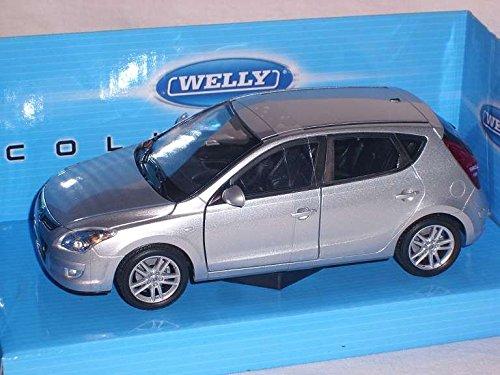 Hyundai i30 Silber 5 Türer 2007-2012 1. Generation 1/24 Welly Modell Auto mit individiuellem Wunschkennzeichen Hyundai Modell Auto