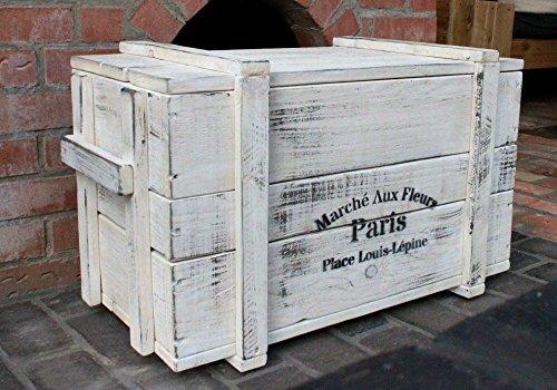 Table basse poitrine en bois blanc prêt à l'emploi