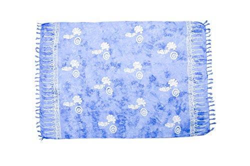 MANUMAR Damen Sarong Blickdicht | Pareo Strandtuch | Leichtes Wickeltuch in hell-blau mit Muschel-Motiv mit Fransen/Quasten | 155x115 cm | Sauna-Handtuch | Haman-Tuch | Bikini | Bali