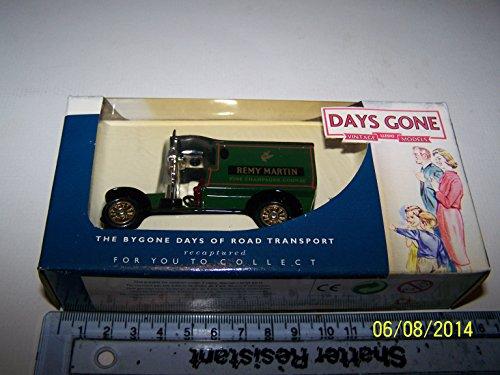 days-gone-diecast-dg085021-renault-van-remy-martin
