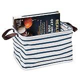 mDesign faltbare Aufbewahrungsbox mit 2 Griffen – mittelgroße Faltbox aus Baumwoll-Polyester-Mischung im Streifen-Design – rechteckige Stoffkiste mit wasserfester Innenbeschichtung – blau und weiß