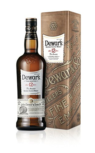 DEWAR\'S Scotch 12 Years, Blended Scotch Whisky 40{c0bde8a8bede2262112c1ea4bd06cd341f317bf20e0de757df65633c3d4a285b} Vol. in Geschenkverpackung