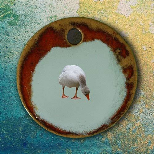 Echtes Kunsthandwerk: Hübscher Keramik Anhänger mit einer Gans; Bauernhof, Farm, Farmleben, Wasservögel, Enten, Gänse, Schwäne, Schwan, Teich, See, Vogel