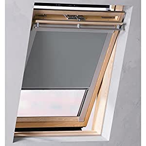 Sol royal tenda a rullo oscurante per lucernario tenda for Tende per finestre sottotetto