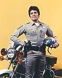 Erik Estrada de Officer Francis Llewellyn 'Ponch' Poncherello in CHiPs 50x40cm Photo couleur