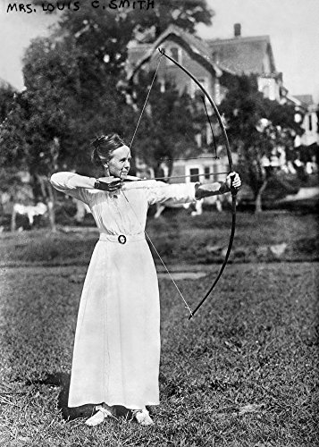 Smith Bow (Archery C1915. /Nmrs. Louis C. Smith Wife of The American Archer. Photographed Taking Aim with A Bow and Arrow. Photograph C1915. Kunstdruck (45,72 x 60,96 cm))