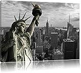 Gigantische Freiheitsstatue in New York Schwarz/Weiß, Format: 80x60 auf Leinwand, XXL riesige Bilder fertig gerahmt mit Keilrahmen, Kunstdruck auf Wandbild mit Rahmen, günstiger als Gemälde oder Ölbild, kein Poster oder Plakat