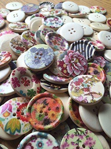 Mixed Pack de 50G de madera redonda Floral, flor, mariposa, botones de flores. Tamaño 30mm todos los se envía en una bolsa de organza perfecto Little Present para cualquier Crafter