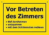 Postkarte Kunststoff +++ VERBOTENE SCHILDER von modern times +++ VOR BETRETEN DES ZIMMERS +++ ARTCONCEPT VERBOTENE SCHILDER CZECH, A