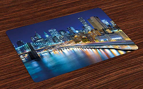 Paysage Place Mats, vue sur le célèbre port de New York à la baie de Manhattan la nuit et imprimé gratte-ciel, napperons en tissu lavables pour la décoration de table de cuisine de la salle à manger ,