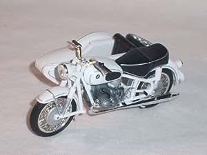 BMW R69 R 69 WEISS SEITENWAGEN 1966 1/24 ALTAYA BY IXO MODELLMOTORRAD MODELL MOTORRAD SONDERANGEBOT