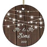 Designsify Mr & Mr Sims 2018–Ceramic Circle Ornament, Ornamento di Natale in Ceramica Decorazione D?Albero di Natale