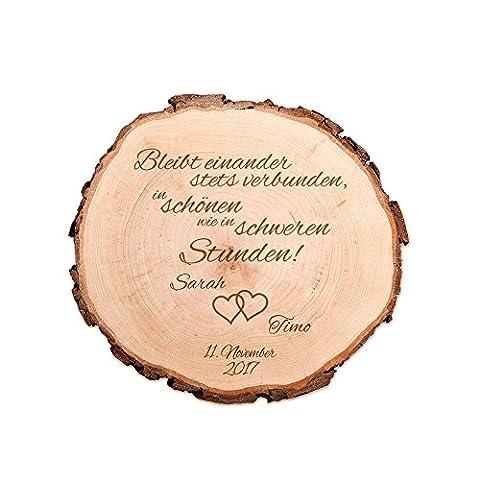 Baumscheibe mit Gravur zur Hochzeit – Bleibt einander stets verbunden… – Personalisiert mit [NAMEN] und [DATUM] – Motiv Herzen – Türschild – Dekoration als Geschenk-Idee – (Ideen Für Ein Geschenk)