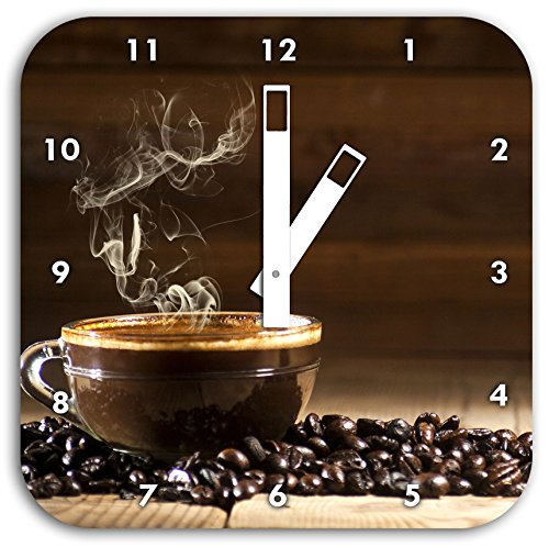 Stil.Zeit Frischer heißer Kaffee zwischen Kaffeebohnen, Wanduhr Quadratisch Durchmesser 28cm mit weißen eckigen Zeigern und Ziffernblatt