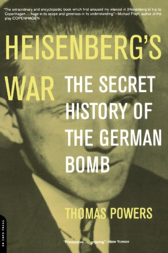 Heisenberg's War: The Secret History Of The German Bomb por Thomas Powers