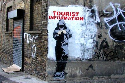 laminiert-banksy-tourist-information-hoody-mini-poster-massnahmen-61-x-432-cm-61-x-43-cm