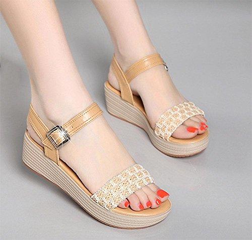 Sandalen für Damen Wort-Typ mit schweren Boden offene Schuhe und bequeme Freizeitschuhe wilde Studenten brown 152