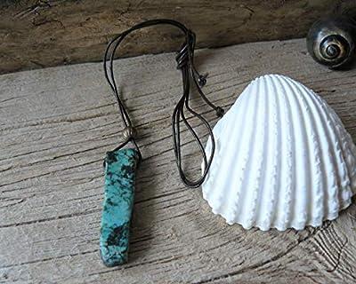 Pendentif turquoise africaine et cuir, pendentif turquoise, collier homme, pendentif talisman, pendentif pierre, pendentif femme