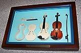Roling's Bacheca in legno con violini in miniatura