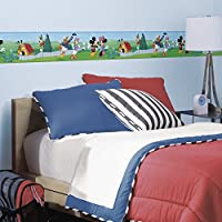 """RoomMates RMK1505BCS - Bordo decorativo per la parete della cameretta dei bambini, con """"Topolino e i suoi amici"""", autoadesivo, riutilizzabile, lunghezza 4,57 m"""