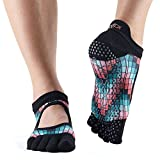 ABOUT TOESOX:ToeSox is an innovative brand driven by active lifestyles. We are best known for our patented grip socks created to handle the demanding technical needs of barre, dance, Pilates and yoga. Inspired by function, fashion and foot health, th...