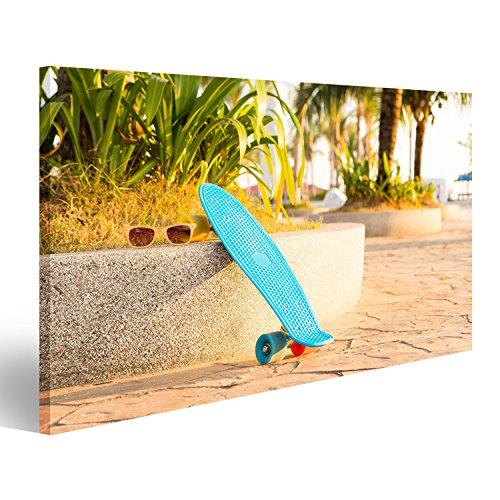 wand Blue Penny Board mit bunten Rädern steht in der Nähe der Palmen Verschiedene Formate ! Direkt vom Hersteller ! Bilder ! Wandbild Poster Leinwandbilder ! HAO (Blue Poster Board)
