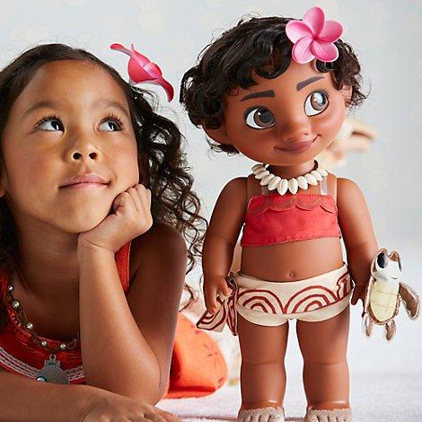 Disney Muñeca de Vaiana 39cm con un peluche acolchado de raso de una tortuga de mar - Colección Animators