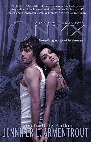 Buchseite und Rezensionen zu 'Onyx (A Lux Novel)' von Jennifer L. Armentrout