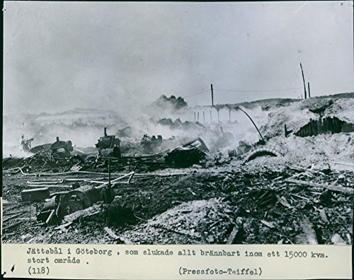 vintage-photo-of-15000-sqm-was-devastated-by-the-fire-that-destroyed-the-entire-timber-trading-cos-e
