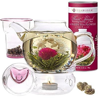 Coffret cadeau service à thé et fleurs de thé Eternal Love de la marque Teabloom – Théière en verre 4-6 tasses, couvercle en forme de cœur, réchaud à thé, infuseur pour thé en feuilles et cartouche de 12 fleurs de thé en forme de cœur