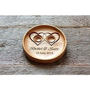 Ringschale aus Eiche mit gravierten Namen und Datum, Ringkissen, Ringträger für die Hochzeit