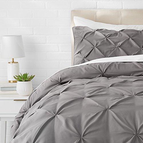 AmazonBasics - Juego de cama con colcha fruncida en pellizco, 200 x 200 cm, Gris oscuro