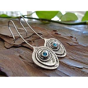 ✿ EINMALIGE KREISE WUNDERBARE GESCHWÄRZTE BOHO ETHNO KRISTALL ✿ lange Haken Ohrringe in Metallfarben
