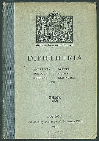 DIPHTHERIA: ITS BACTERIOLOGY, PATHOLOGY AND IMMUNOLOGY.