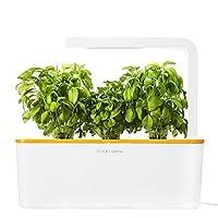 La tecnologia al servizio delle piante.Dopo un retentissant successo sulla piattaforma di financement participatif Kickstarter, la società Click & Grow ritorna integrando la sua gamma di mini-potagers automatizzati con il nuovo Smart Herb Garden...