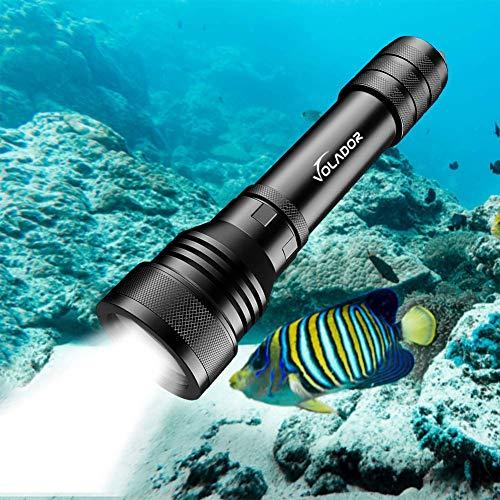Volador Lampe sous Marine, 2000 Lumens Lampe de Plongée, Rechargeable LED Lampe Torche Etanche, 150 Mètres Lampe Plongee sous-Marine avec 2X 18650 Batterie et Chargeur