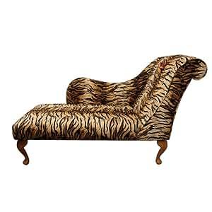 Chaise longue en tissu d'un tigre imprimé animal