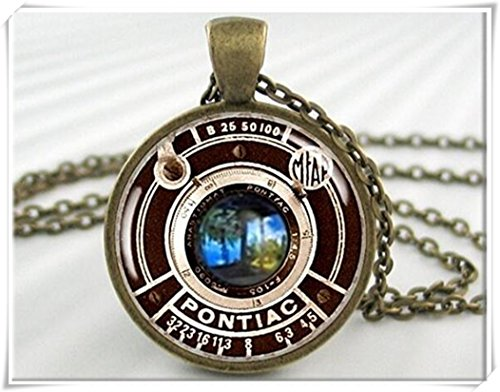 vintage-camera-pendant-necklace-charm-pontiac-camera-lens-resin
