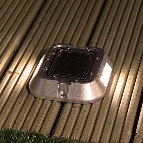 solarbetriebene, sehr stabile Einfahrt Weg und Boden Leuchte, mit 6 Hochleistungs-SMD-LEDs in angenehmen warmweiß, von Super Solar - Verkauf von Festive Lights