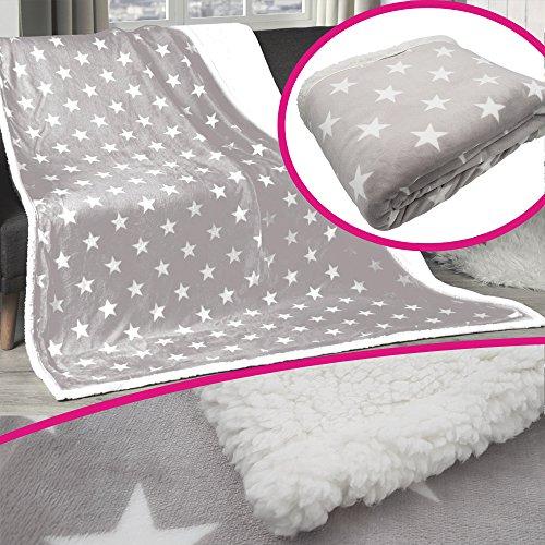 Premium Winter-Wohndecke 150 x 200 cm in Grau aufwendig verarbeitete Kuscheldecke mit Sterne Muster edle und hochwertige Winterdecke mit Rückseite in Sherpa Optik