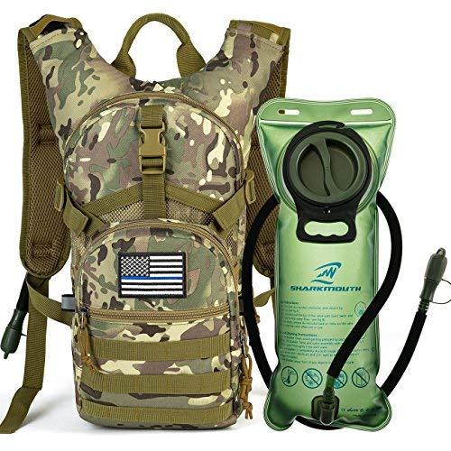 SHARKMOUTH Tactical MOLLE-Trinkrucksack 900D mit 2 l auslaufsicherer Wasserblase, hält Flüssigkeiten bis zu 4 Stunden kühl, Tagesrucksack für Wandern, Radfahren, Laufen, Jagd, USA Flagge Patch, CPTan (Lunch-box Molle)