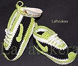 Patucos para bebé de crochet, Unisex. Estilo Nike, de color Negros/Verde pistacho, 100% algodón, tallas de 0 hasta 12 meses, hechos a mano en España. Regalo para bebé.