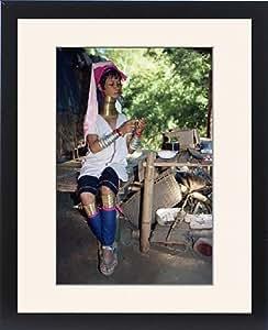 Tableau encadré de Long cou femme préparation alimentaire Thaï sur la bordure en Thaïlande Birmanie