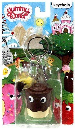 kidrobot-yummy-world-pudding-cup-2-3d-vinyl-keychain-1-24-case-ratio-new-by-yummy-world